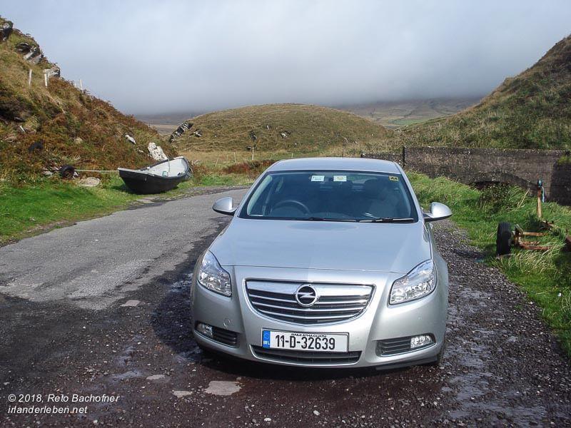 In Irland einen Mietwagen fahren