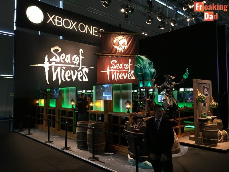 Sea of Thieves Stand