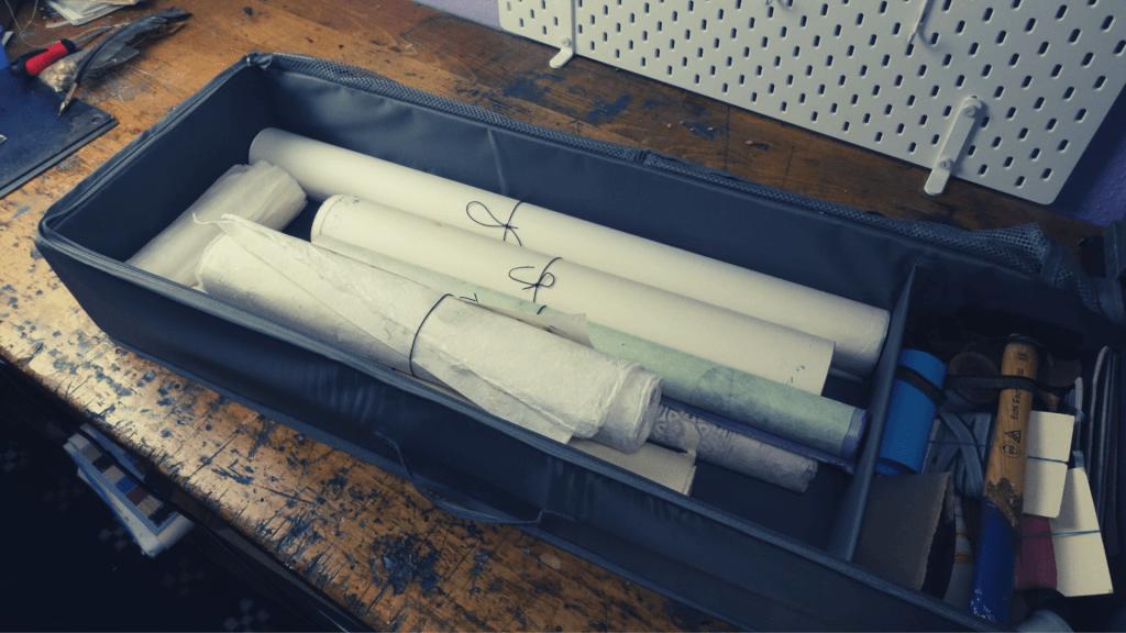Aufbewahrung von Buchbinder-Materialien