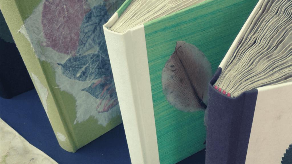 Buchbinden als Ferienbeschäftigung für Jung und Alt