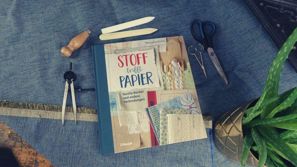 Buchbinde-Bücher: Stoff trifft Papier von Michaela Müller