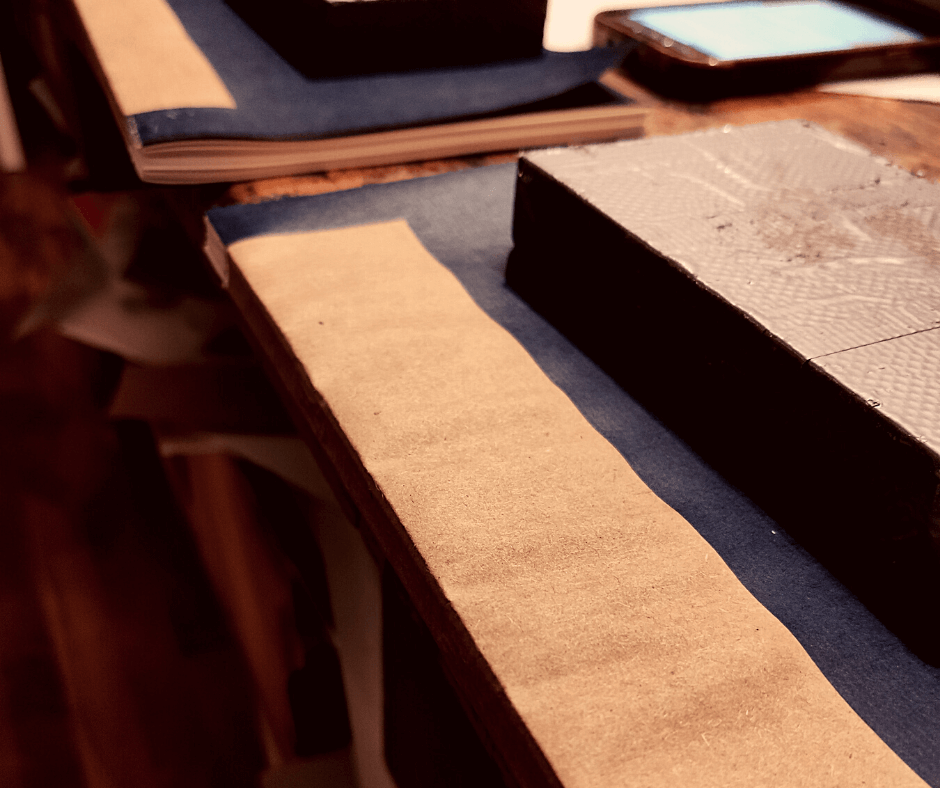 Laufrichtung beim Buch Hinterklebung