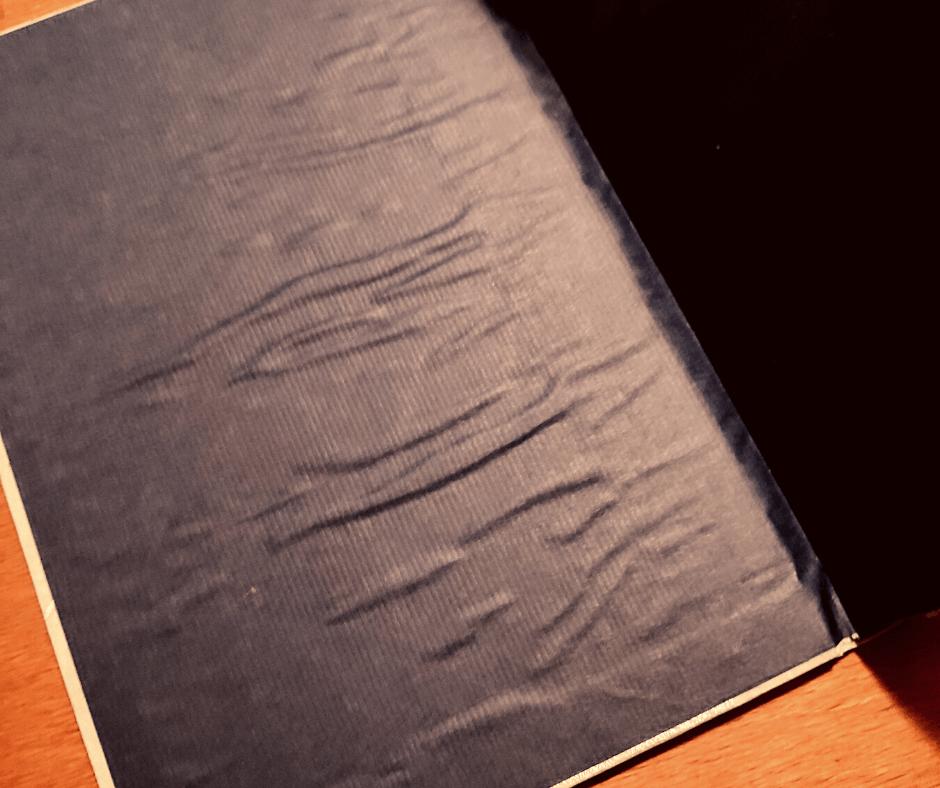 Wellendes Papier