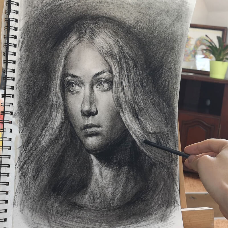 portrait porträt frau mit kohle auf papier von maxim simonenko maximko rostock