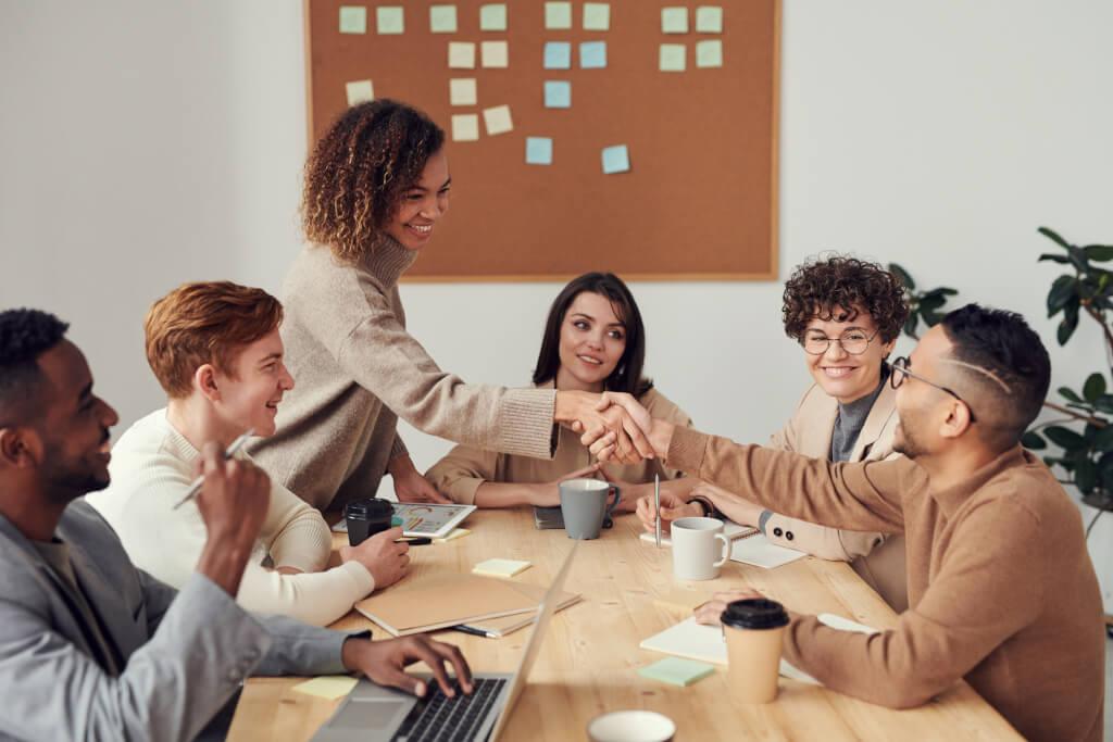 Mitarbeiterengagement messen: Checkliste der 10 goldenen Kennzahlen (2020 Update)