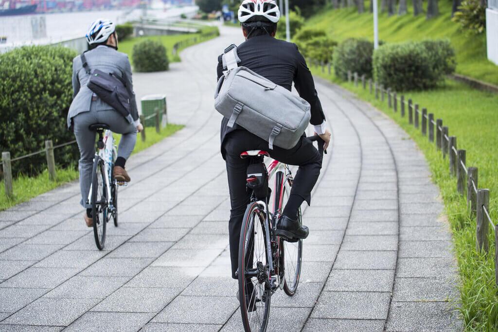 bgm massnahmen bewegung tipps ebike healthy commute go green adobestock 118433827