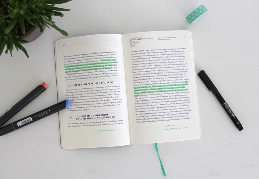 Kreativität aushalten: Psychologie für Designer / Das Layout ist schön und hochwertig © Gudrun Wegener