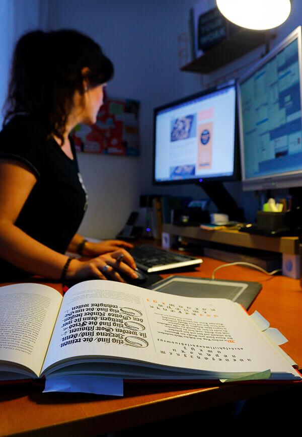 Jennifer Pluskat Arbeitsplatz Recherche