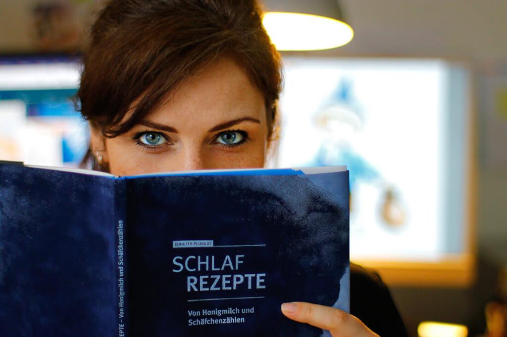 Jennifer Pluskat Portrait Schlafrezepte