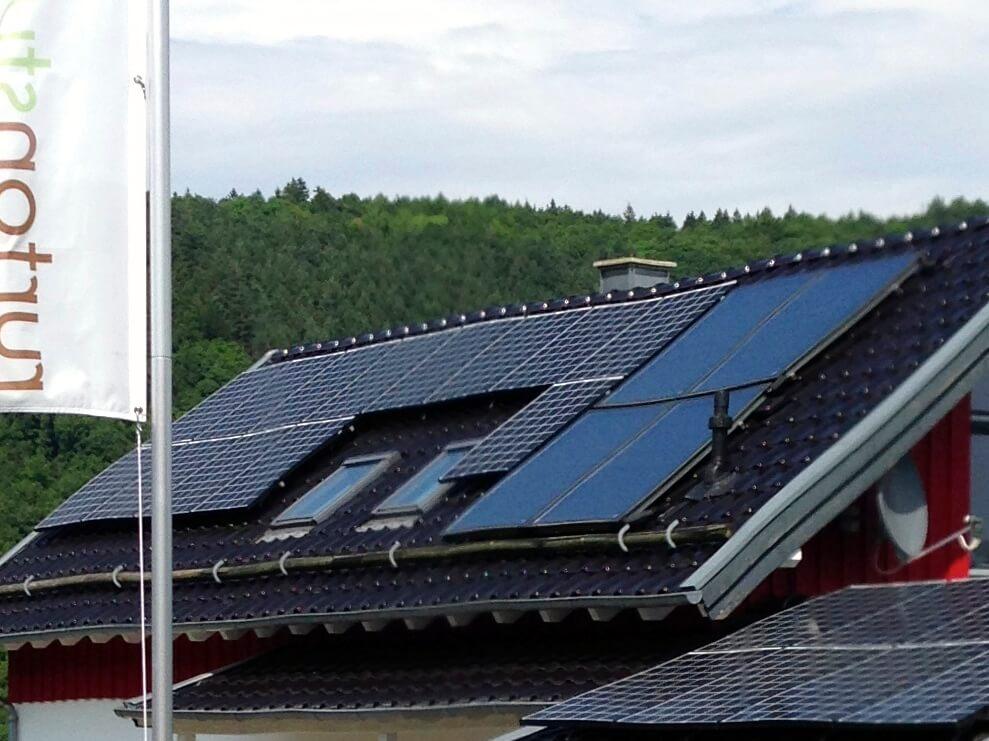 Eigener Strom durch Photovoltaik – Tonstudio mit guter Ökobilanz