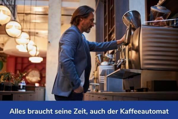 Warten auf den Kaffee