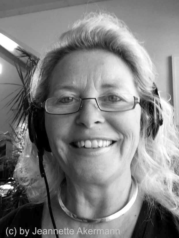 Coach Jeannette. Ich unterstütze Dich als Situations-Analystin, Persönlichkeits-Entwicklerin und PfadFinderin