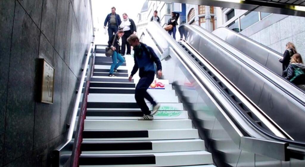 Nudge: Mozart Stairs in Stockholm - Mehr Spass am Treppensteigen