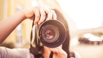 Einfach Bilder von Plattformen beziehen. Aber Vorsicht vor den Bildrechten!