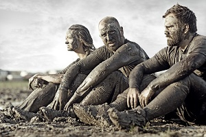 iStock 489807488 Team in Mud reduced