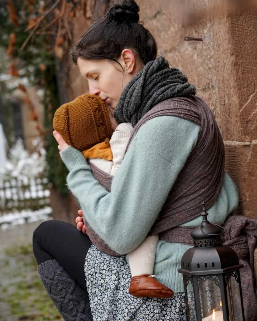 Ihre Leidenschaft zum Baby tragen begann mit dem ersten Kind