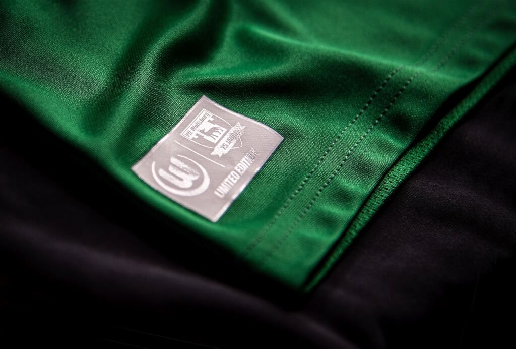 Teamwear embellishment by dekoGraphics ECOBLOCK BLACK | MATT GLOSS