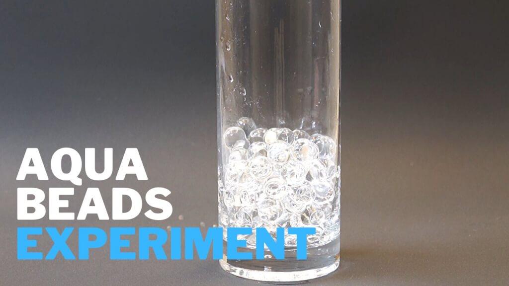 Wasserperlen unsichtbar machen - Kinder-Experiment