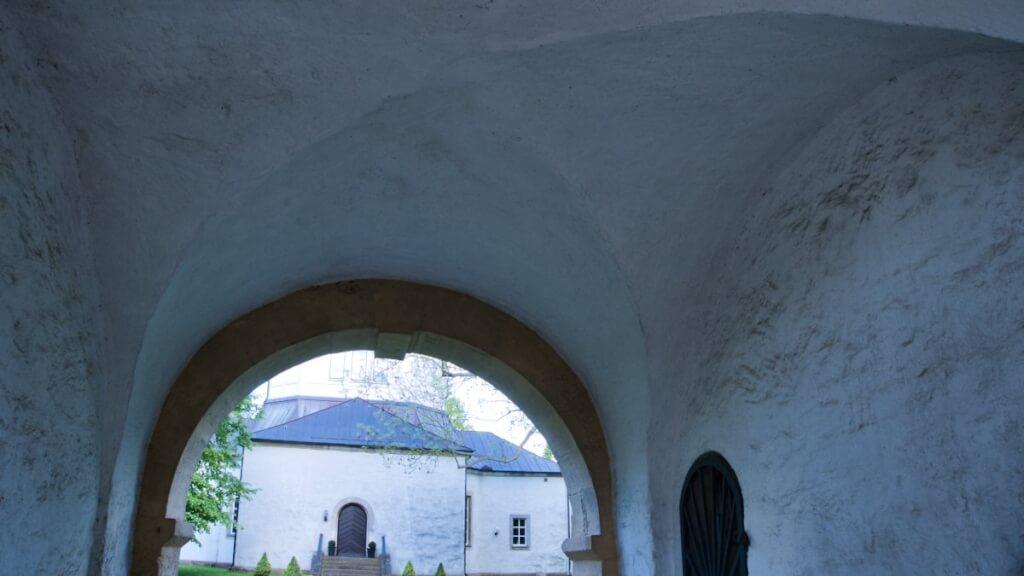 Ein Gewölbe in einem Kirchengebäude trägt ein hohes Gewicht.