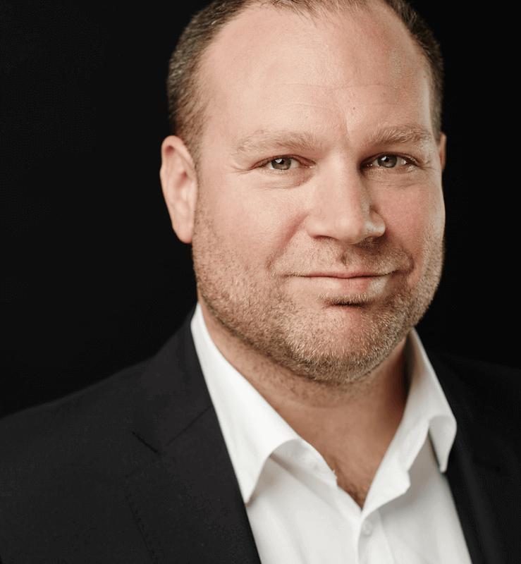 Testimonial Stephan Hauf, DNTrust über GründerFinanz den unabhängigen Versicherungsmakler