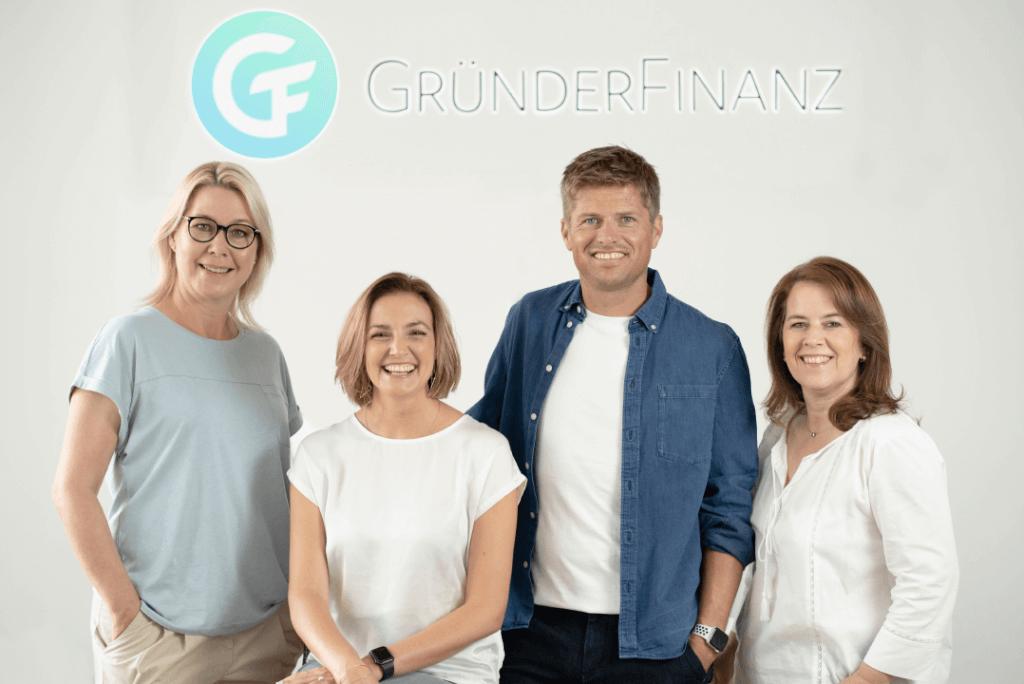 GründerFinanz unabhängiger Versicherungsmakler Köln shutterstock_758894008 Begleiter seit 2012
