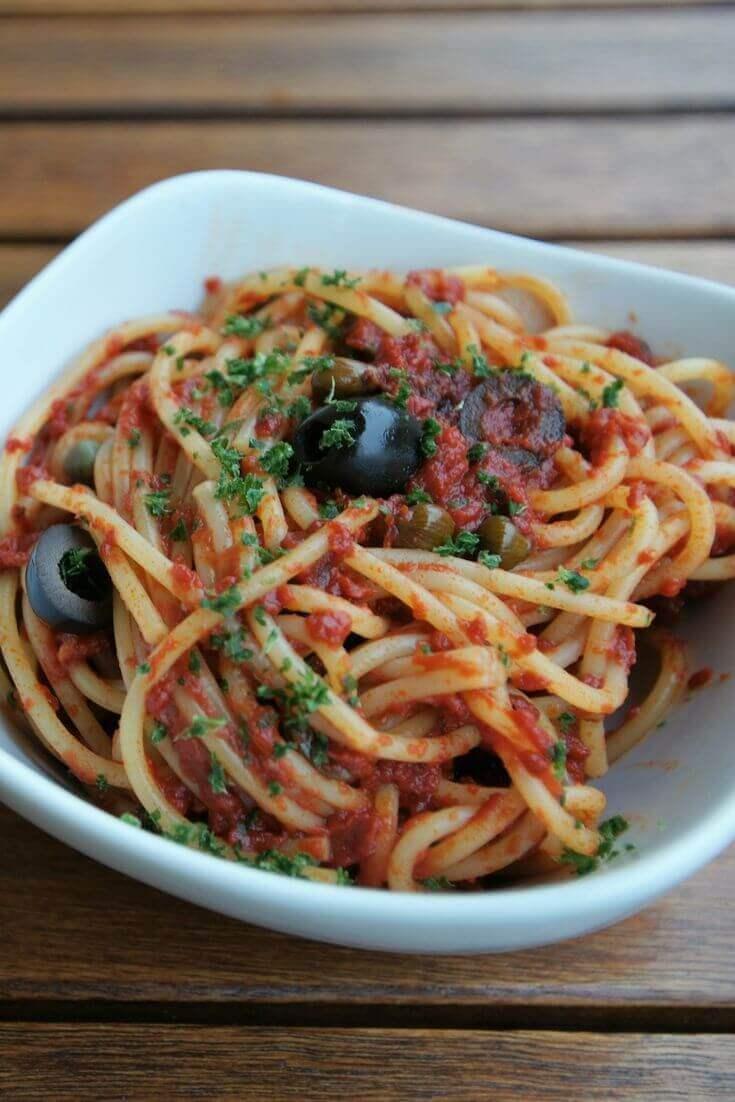 Spaghetti alla Puttanesca | MILAMAGAZIN