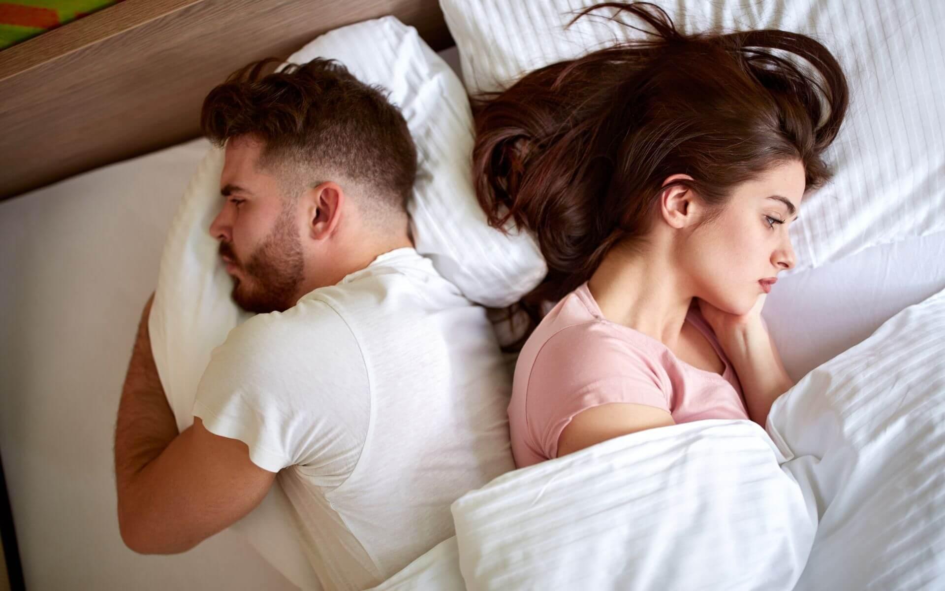 Fremdgehen - 5 Anzeichen, dass dein Partner dich betrügt