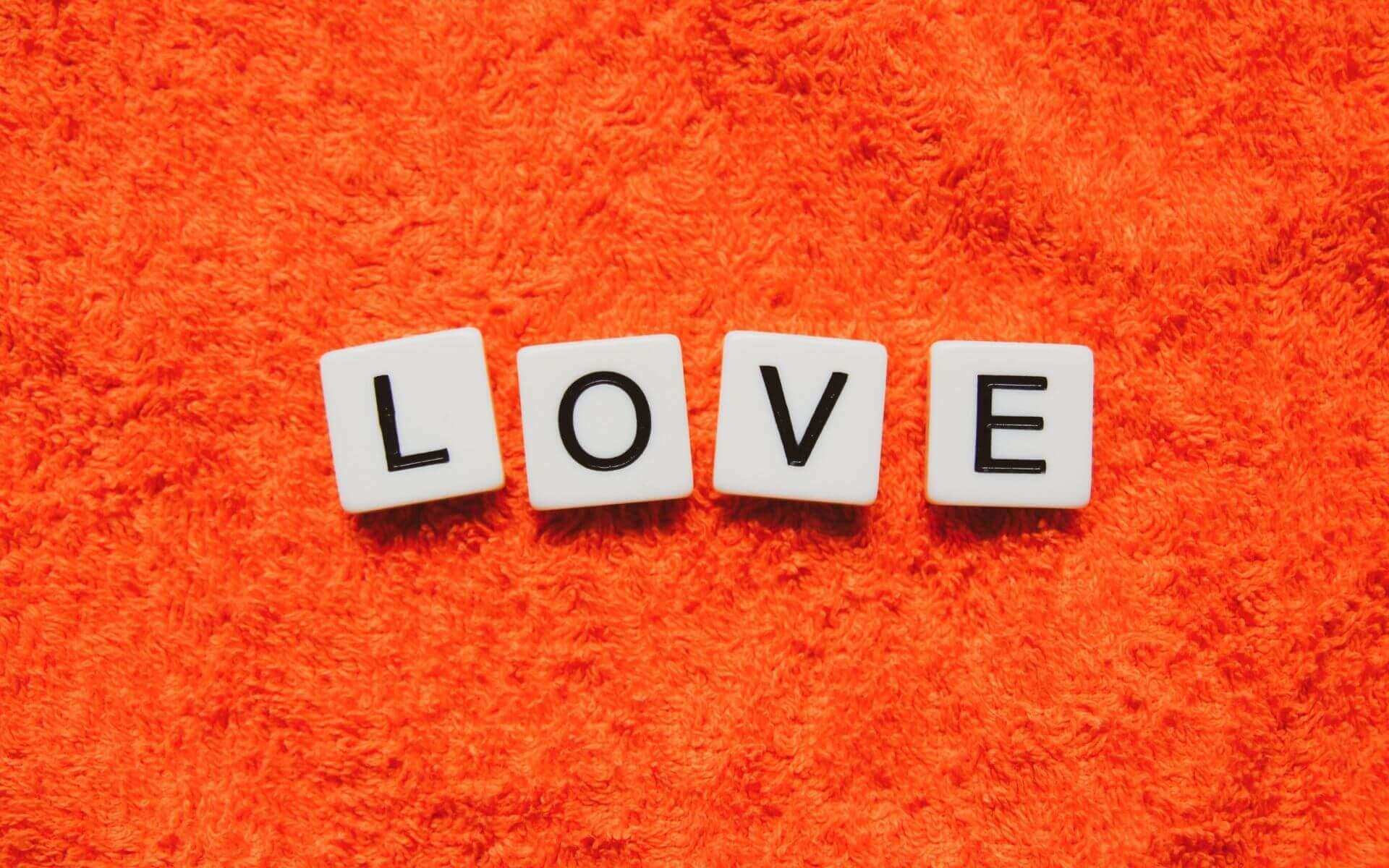 """130 wundervolle """"Liebe ist""""-Sprüche (2/2)"""