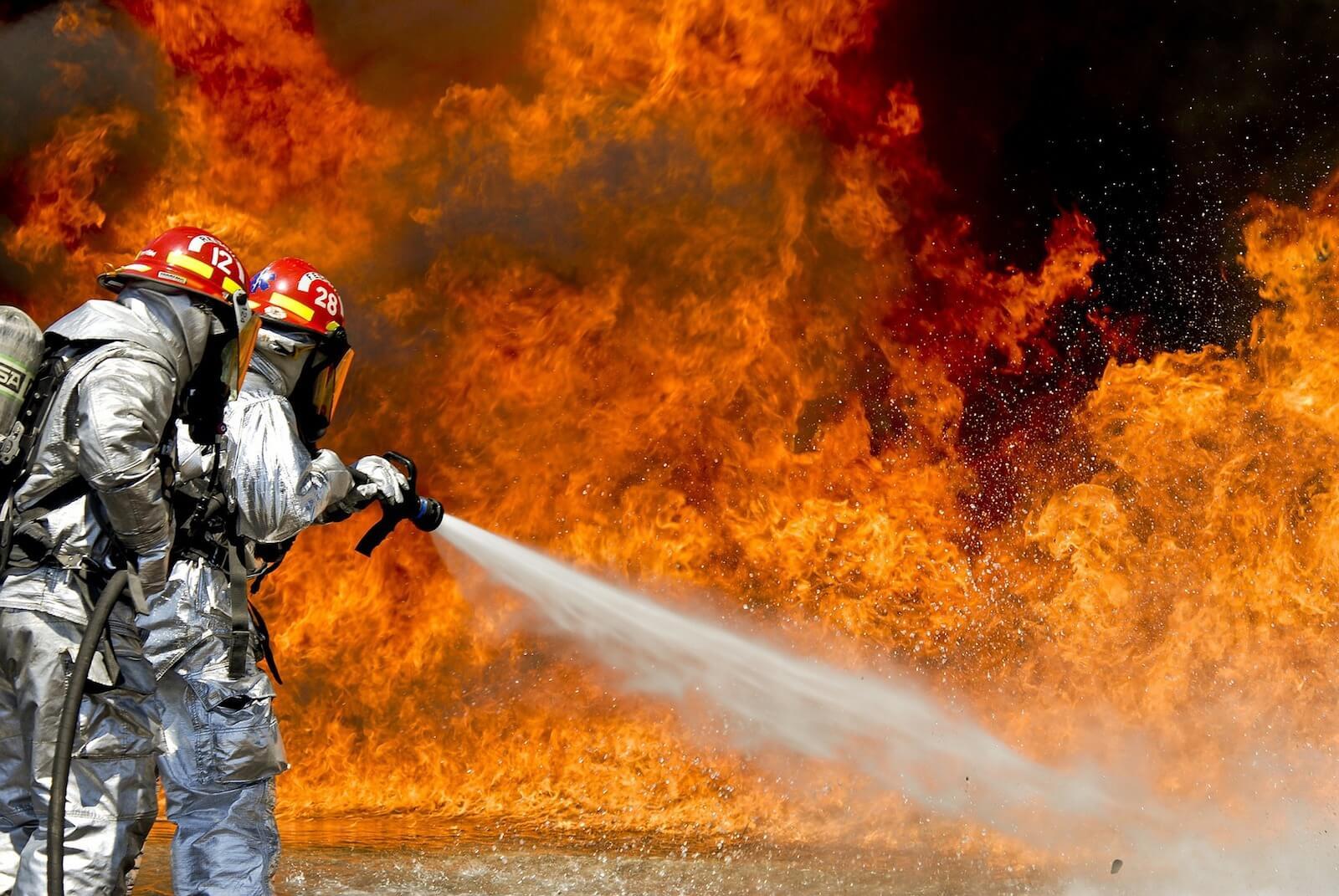 Verhalten bei Terroranschlägen (III): Brandanschlag