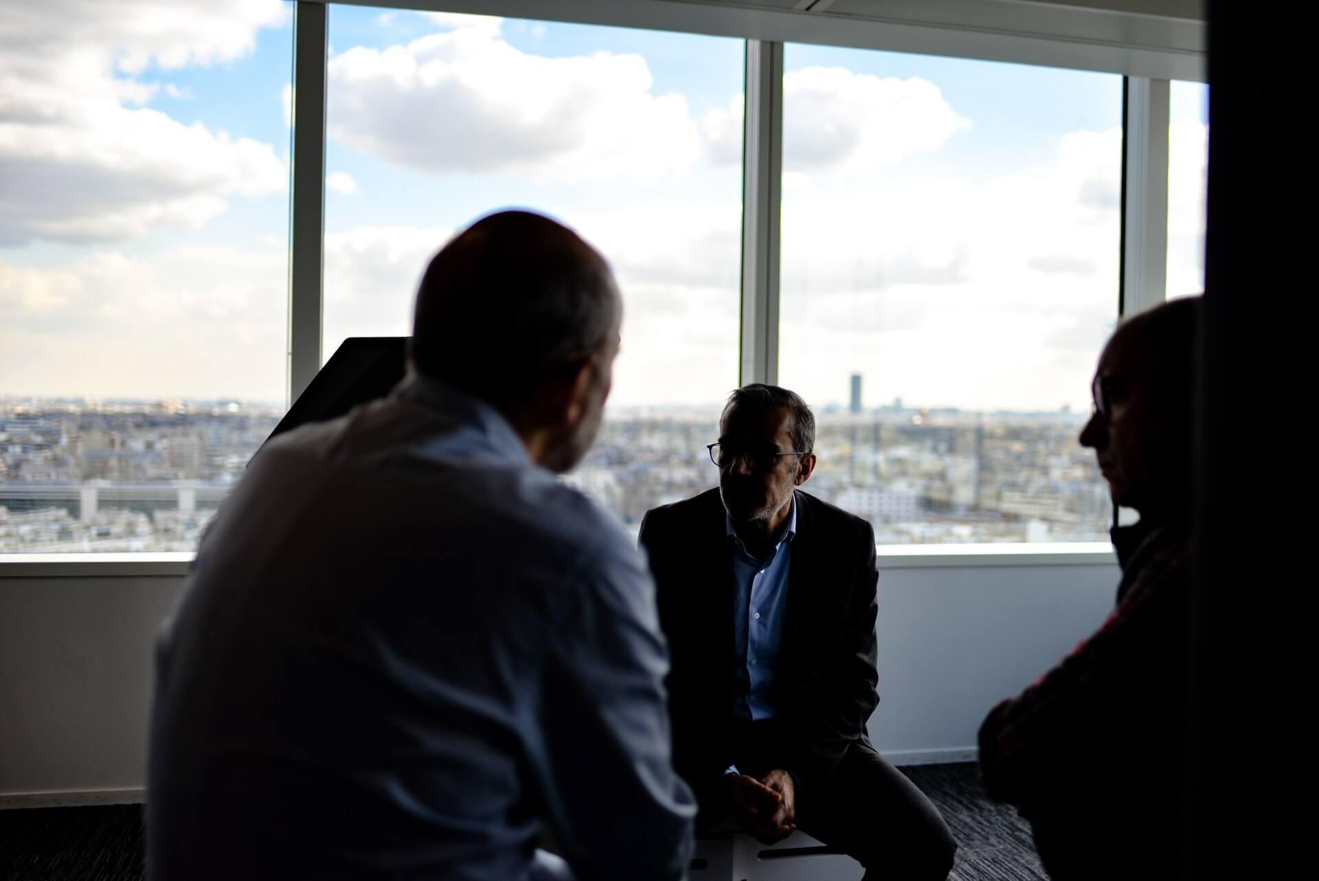 Büro-Gruppe-Gespräch