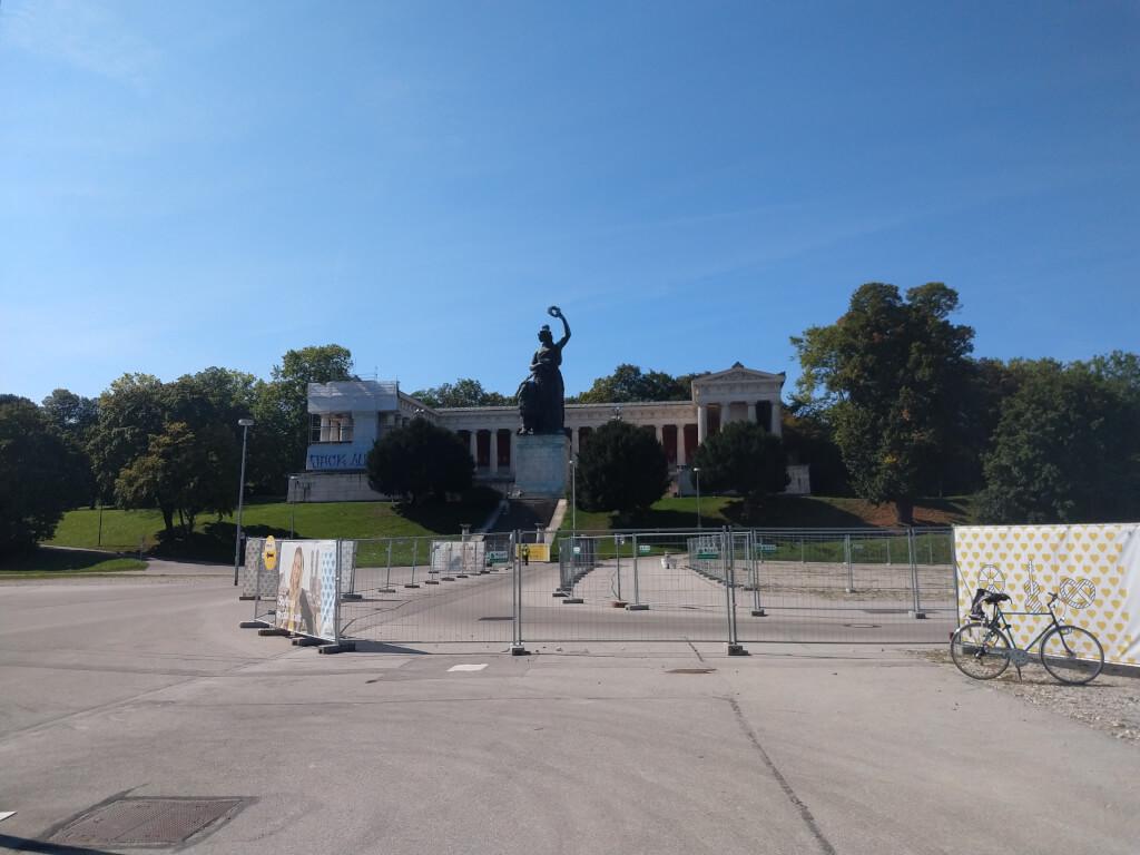 Fotos zum Stadtspaziergang über die Theresienwiese