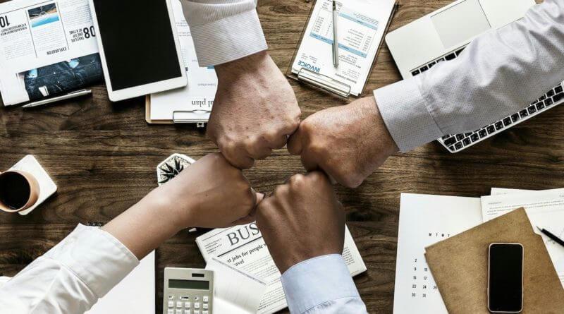 Webinar: UG gründen oder GmbH, Alles was dazu wichtig ist. Steuern sparen mit Auslandsfirma?