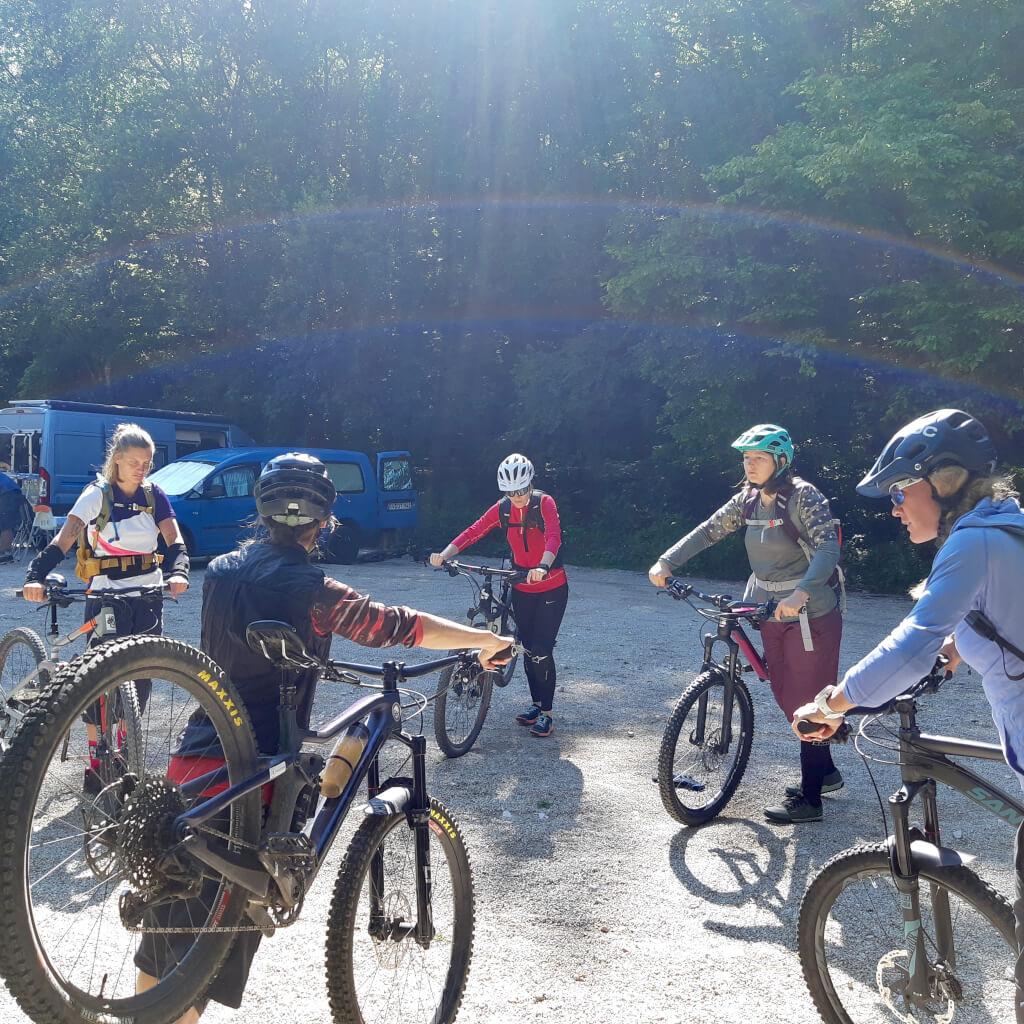 Das Bike Camp im Altmühltal startet mit einem Bike Check vor der ersten Trailtour