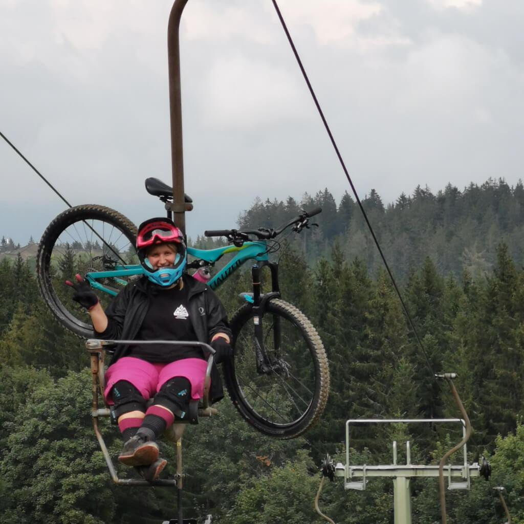 Die Liftunterstützung beim Bike Camp lässt viele gemeinsame Runden im Bikepark zu