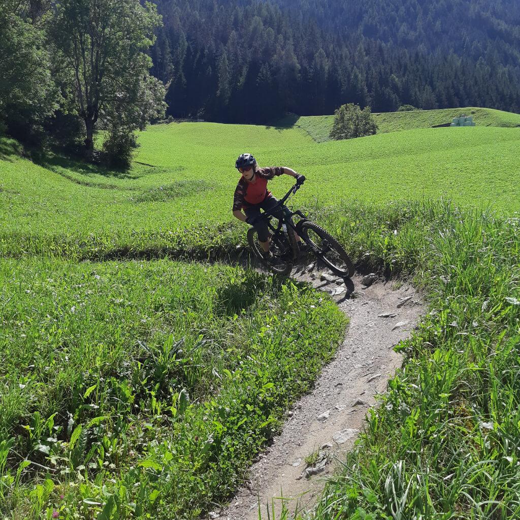 Lernen MTB Kurventechnik beim Bike Camp Tirol