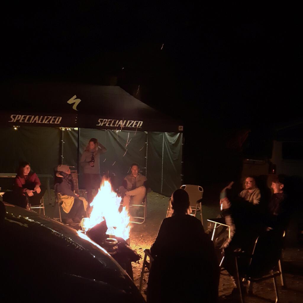 Lagerfeuerstimmung beim camp and ride im altmühltal
