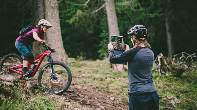 Fahrtechnik Coaching mit Videoanalyse bei den MTB Trailcamps