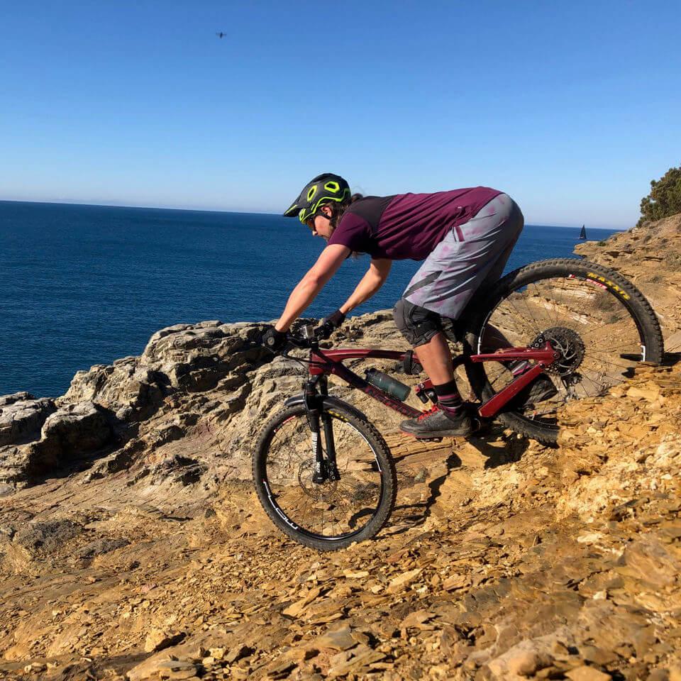 Im Toskana Mountainbike Urlaub sind Trails bis zum Meer keine Seltenheit