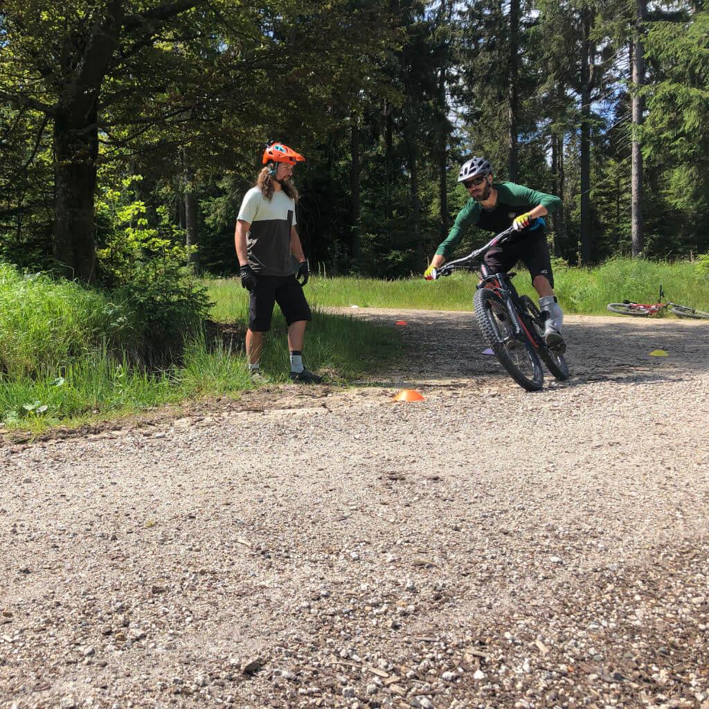 Kurventraining beim MTB Trailcamp Fichtelgebirge