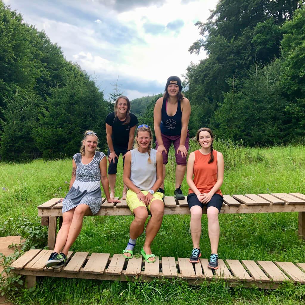 Gruppenfoto nach dem Munich Mountain Girls Bike Camp in Treuchtlingen 2020
