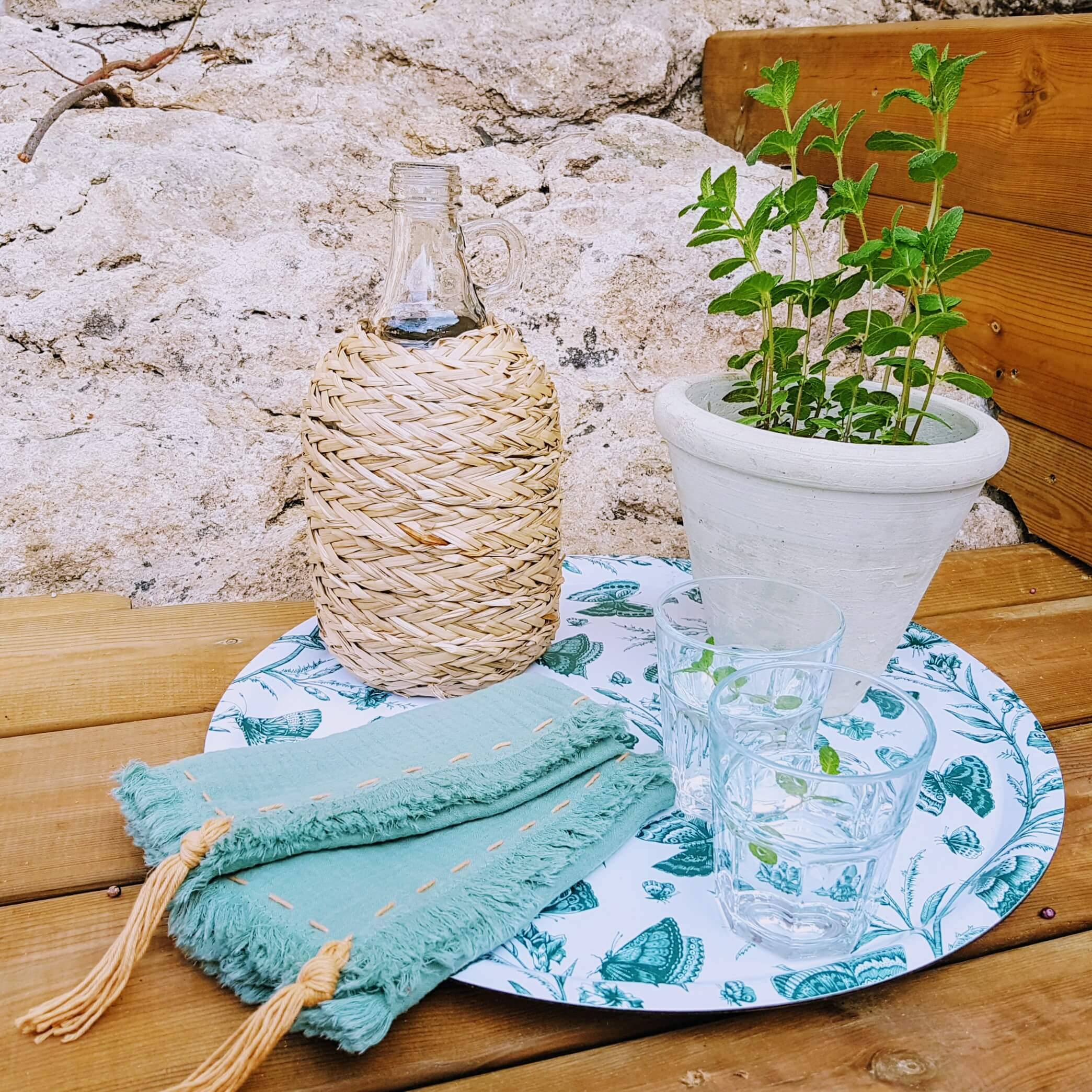 linibini - napkins with pompoms