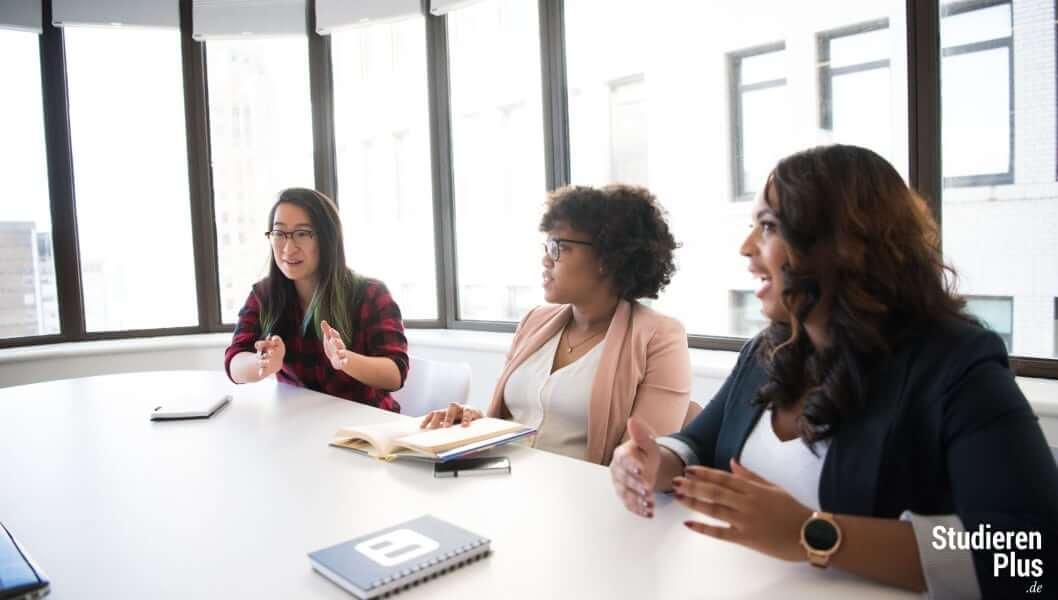 ehrenamtliche Taetigkeit als Student als Frauenbeauftragte