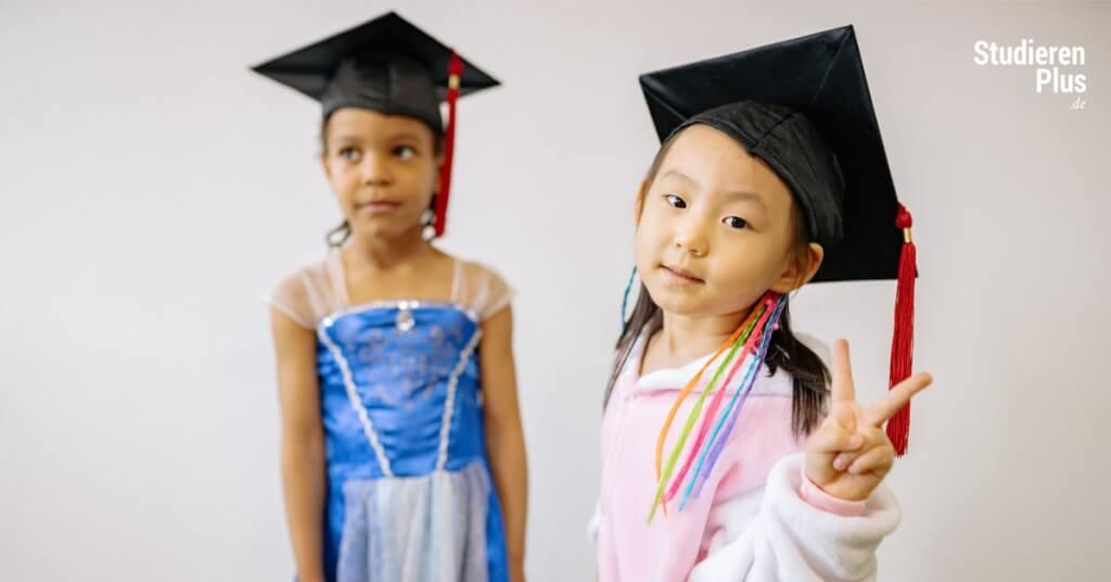Erzieherausbildung, Erziehungswissenschaften studieren oder beides?
