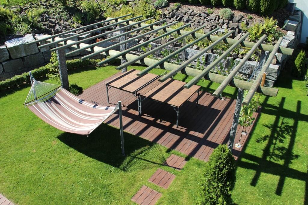Terrasse, welche die Vorteile von Accoya zeigt