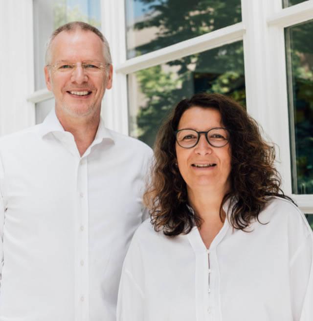 Dr. Stefan Blönnigen und Frau Susanne Mainusch vom Narkose-Team Rhein-Kreis