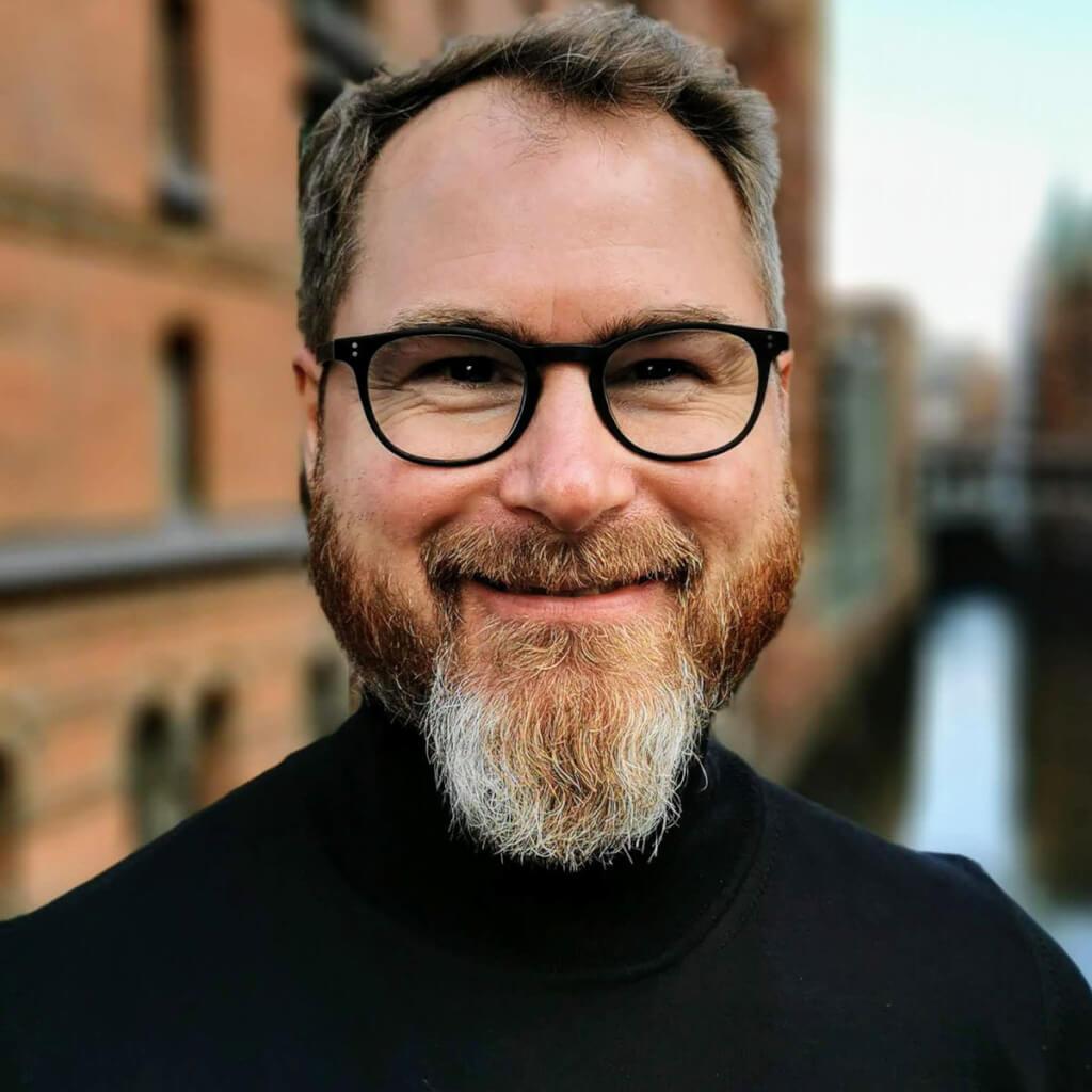 Thorsten  Schütte-Gravelaar