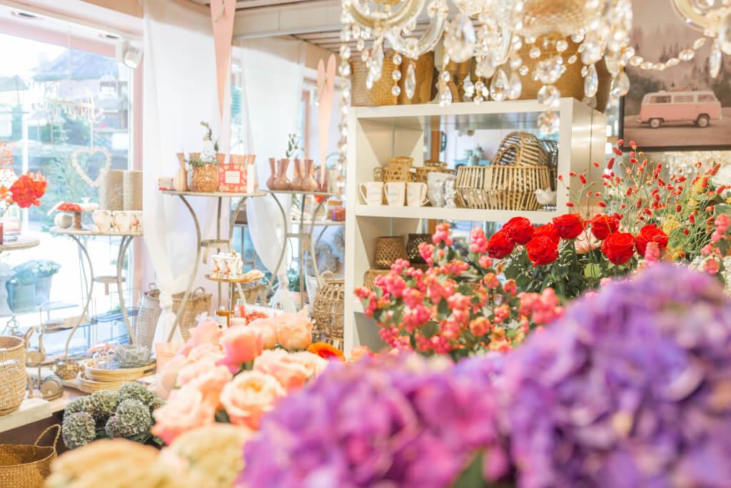 Laden, Blumen, gardyland,Blumenstrauss, Rose, Kronleuchter, Schaufenster