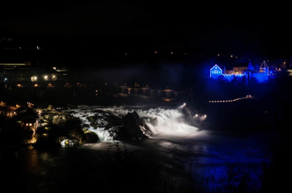Leuchtendes Schloss Laufen