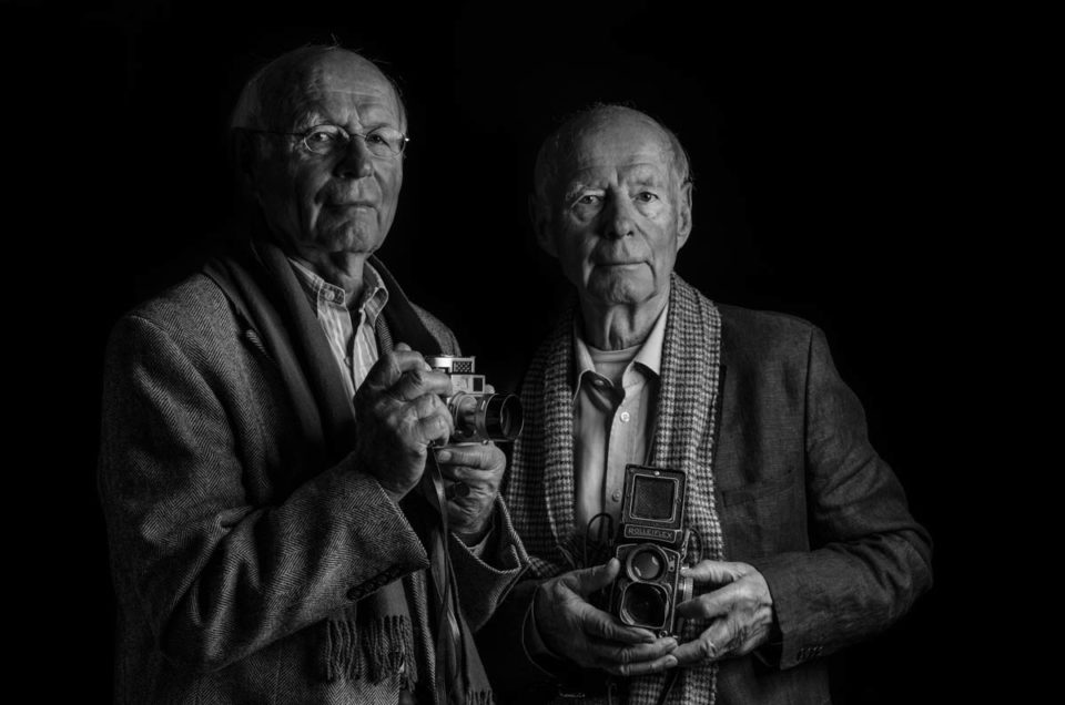 Fotografierende Zwillinge