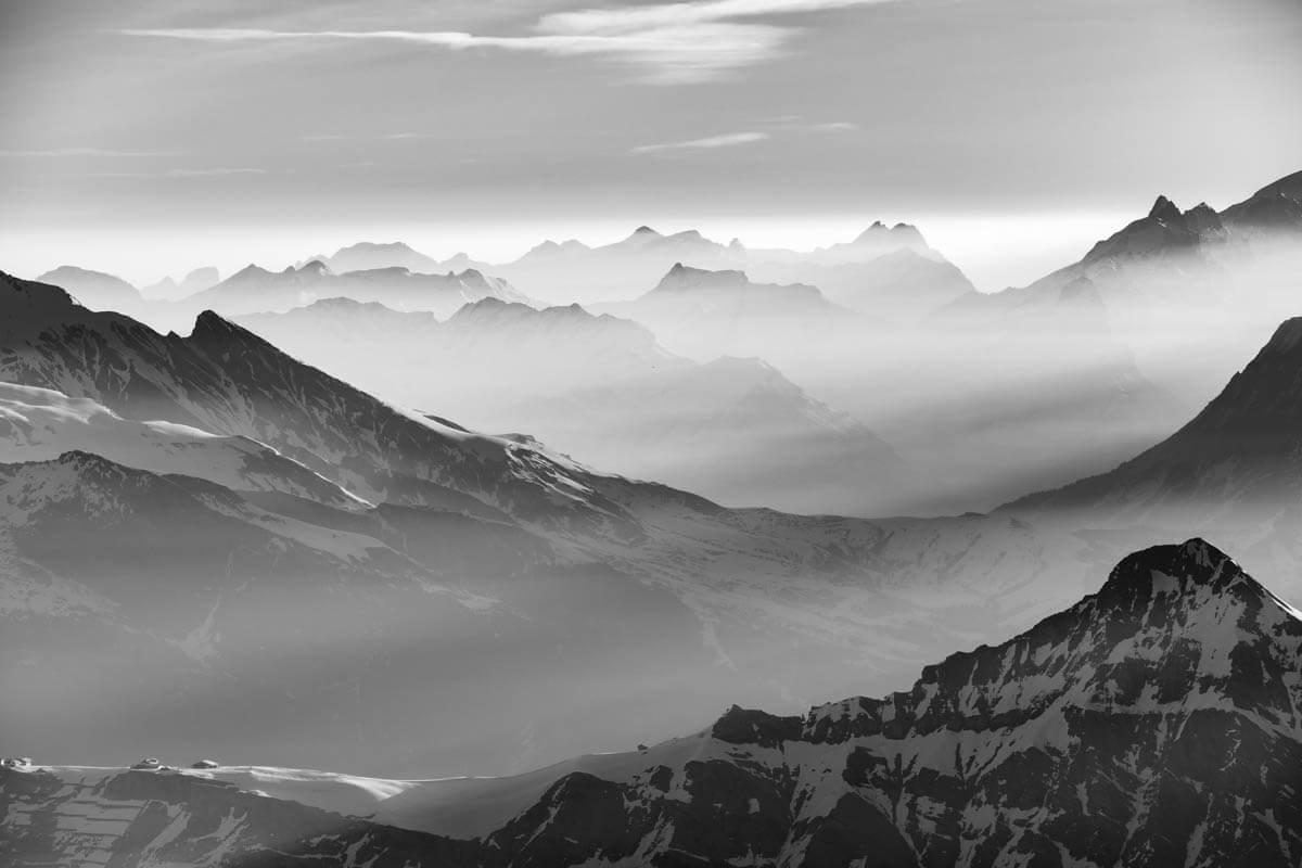 Morgenstimmung im Eiger, Mönch und Jungfraugebiet.